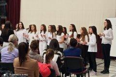 Школски хор на полугодишњем концерту